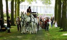 Jachtkoets met 4 witte paarden